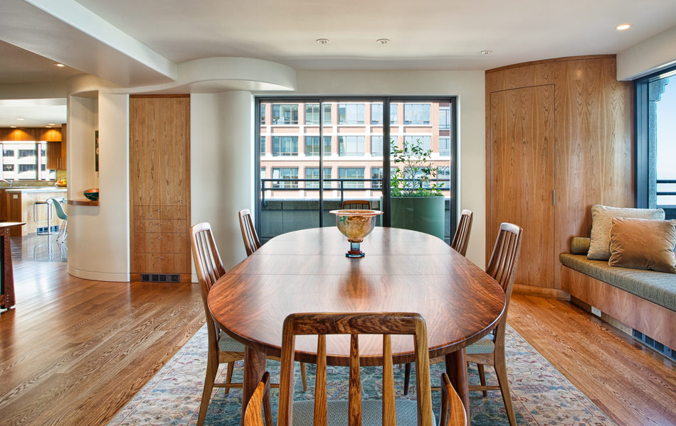 embarcadero-condo-dining-room