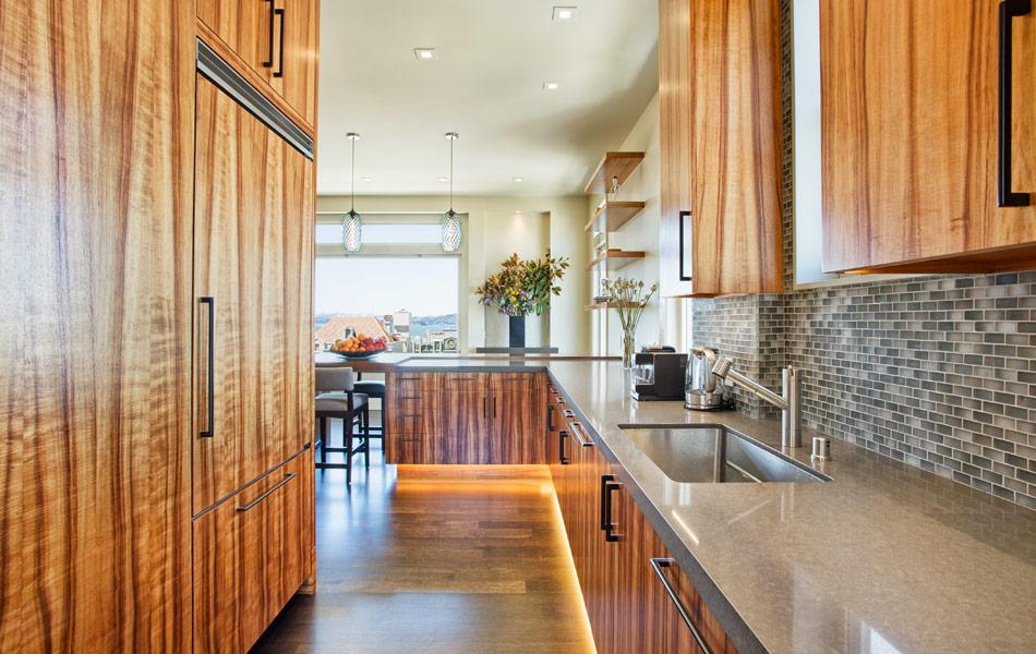 lush-lounge-kitchen
